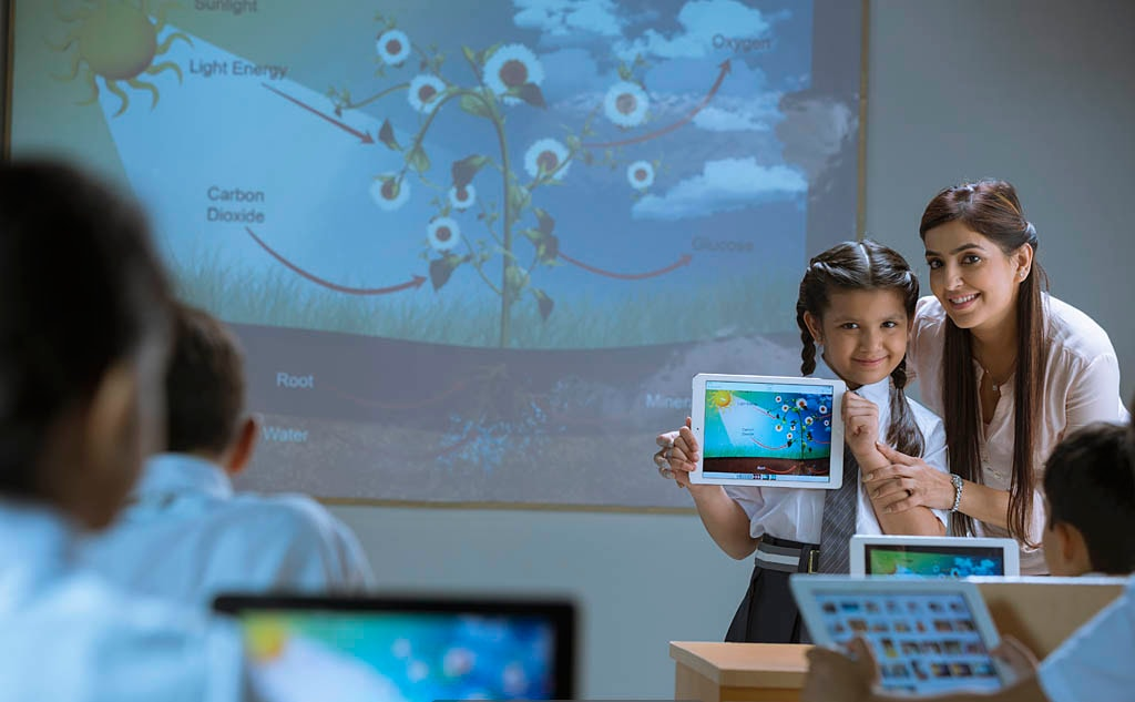 Digital classrooms of top school in delhi ncr which is Made Easy School Gurgaon
