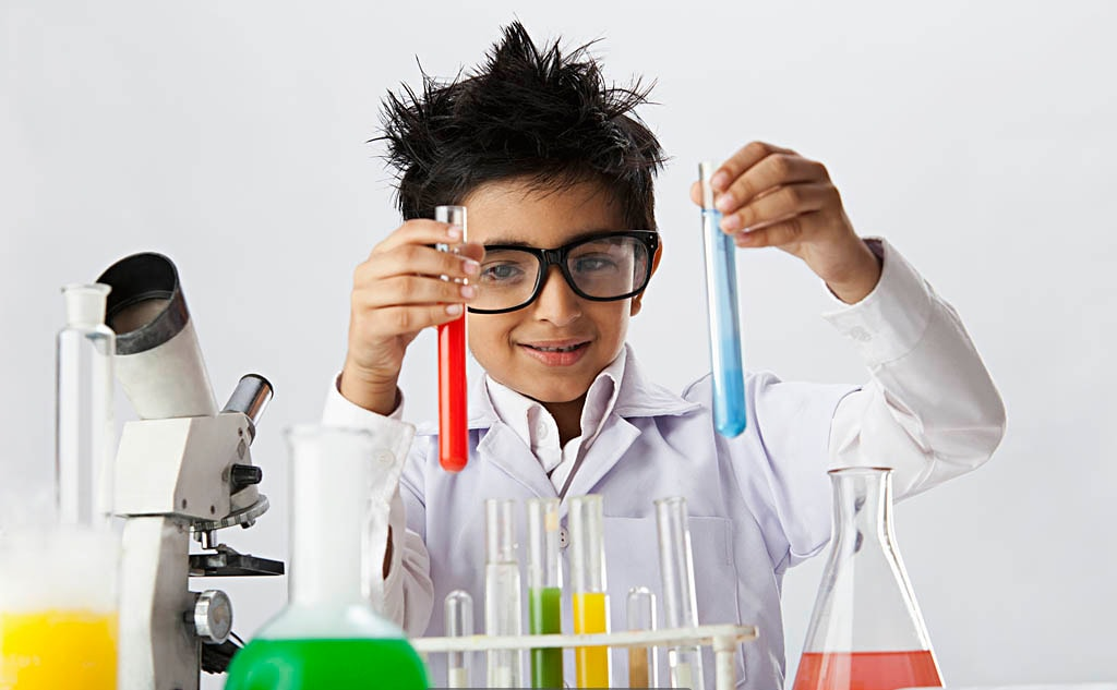 Modern Science Labs with all latest equipments in Made Easy School Gurugram